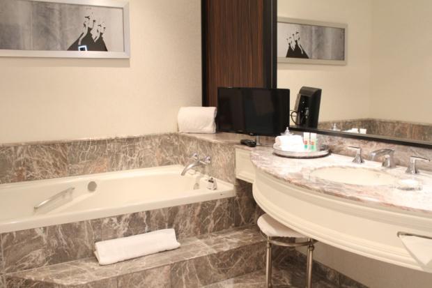 Loews Hotel Vogue Luxury King Suite 10